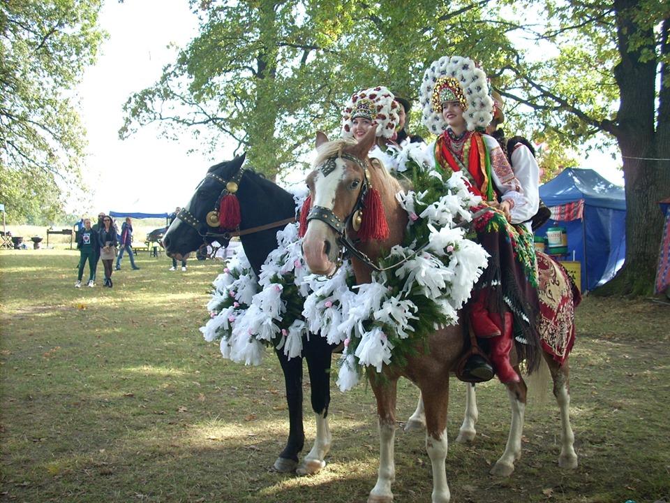 На Коломийщині відгуляли «Гуцульське весілля» (відеосюжет)