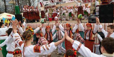"""Вже завтра у Коломиї стартує щорічний фестиваль """"Писанка"""". Чому там варто побувати"""