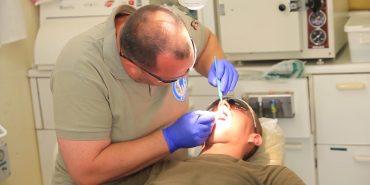 Коломийські лікарі долучилися до створення стоматологічного кабінету для бійців у зоні АТО