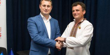 Отець Михайло Арсенич підтримав кандидата на міського голову Коломиї Любомира Глушкова