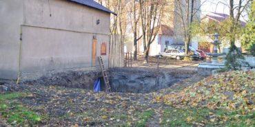 У Коломиї сквер перетворився на будівельний майданчик. ФОТО