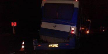 На Прикарпатті лісовоз «врізався» в автобус. ФОТО