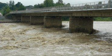 На Прикарпатті очікуються паводки