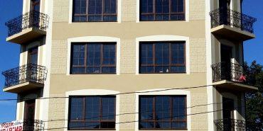 У Коломиї на вулиці Грушевського виріс будинок-красень. ФОТО