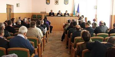 Депутати Коломийської районної ради збиралися на позачергову сесію. ВІДЕО