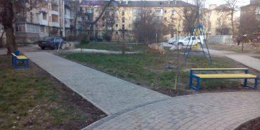 В одному з дворів Франківська поцупили дитячу карусель. ФОТО