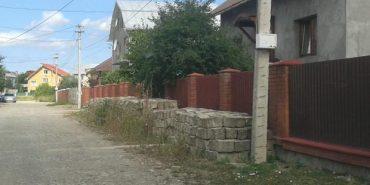 """В """"Долині бідних"""" знайшли бруківку, яка зникла із середмістя Коломиї. ФОТО"""