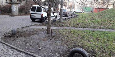 Мешканець Франківська бореться з авторагулями. ФОТО