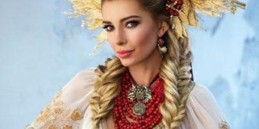 """""""Міс Україна Всесвіт"""" вразила національним костюмом"""