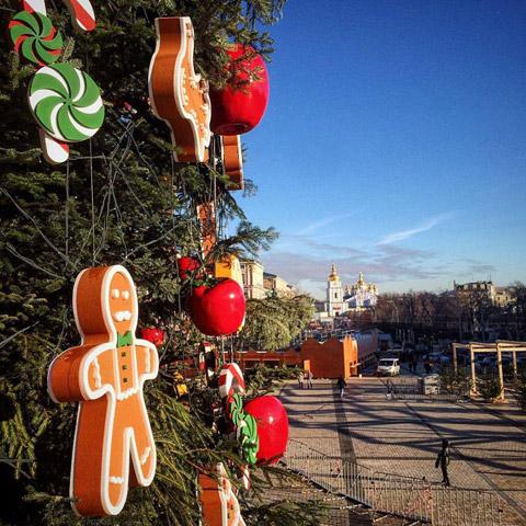Прикраси цьогорічної ялинки у Києві