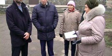 У Коломиї мешканці вулиці Привокзальної нарікають на сусідів-підприємців. ВІДЕО