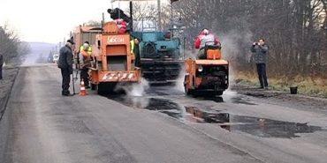 До нового року дорожники планують закінчити ремонт дороги Коломия-Гвіздець. ВІДЕО