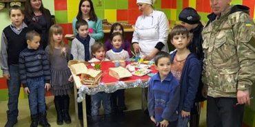 У Коломиї діти воїнів АТО пекли печиво. ВІДЕО