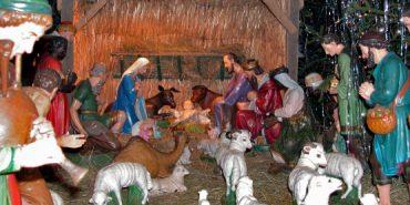 У Долині встановлюють різдвяну шопку та загальноміську ковзанку