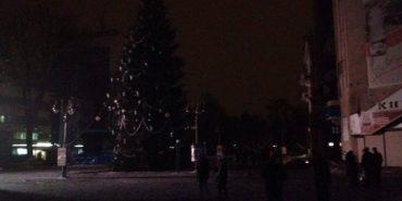 Невідомі пошкодили освітлення головної ялинки Івано-Франківська