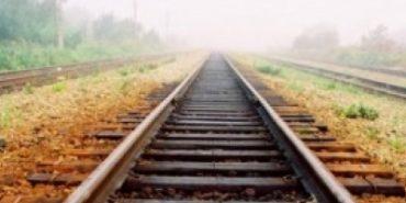 На Прикарпатті молодики намагались демонтувати залізничну колію