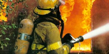 48 осіб евакуйовано через пожежу в житловому будинку на Прикарпатті