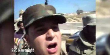 Опубліковано раніше невідоме відео останніх хвилин життя Каддафі. ВІДЕО