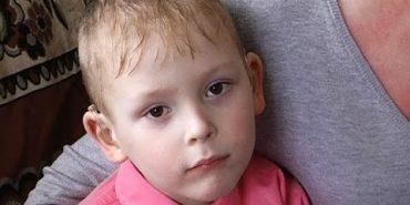 Потрібна допомога на операцію Назарчикові, який втрачає слух. ВІДЕО
