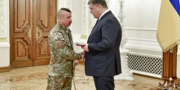 Президент України нагородив орденами дев'ятьох учасників Революції Гідності з Прикараття