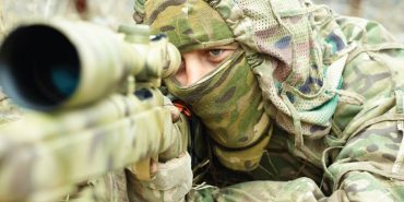 Майкл Щур закликає підтримати снайперів АТО, придбавши календар. ФОТО