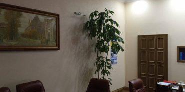 Начальник буковинської поліції у своєму кабінеті замінив портрет Авакова на Шевченка