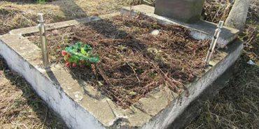 На Городенківщині затримали чоловіка, який викрадав огорожі з могил