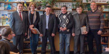 У Коломиї вручили премію імені Леся Гринюка