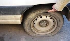 Голові єврейської громади у Коломиї після прямого ефіру порізали колеса автомобіля