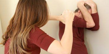 На Тлумаччині чоловік просить захистити його від дружини