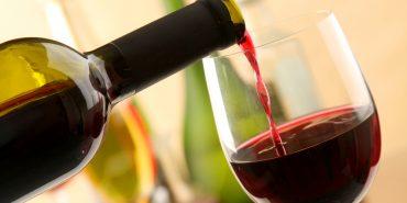 Червоне вино і яблука: про продукти, які запобігають раку грудей