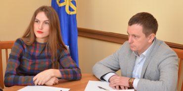 Сергій Коцюр закликає віддати його мандат депутата облради Марії Ткачук