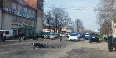 На Коломийщині сталася ДТП: позашляховик зіткнувся з мотоциклом