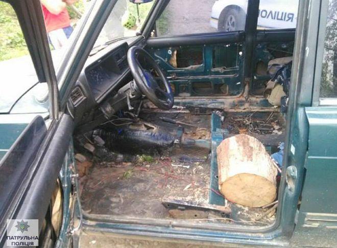 160419061747_log_driver_624x460_ukrainianpatrolpolice_nocredit