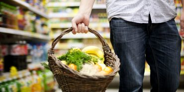 Вартість споживчого кошика в Україні вдвічі вища рівня мінімальних соцстандартів