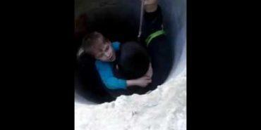 Як у Коломиї рятували хлопчика, який впав у колодязь. ВІДЕО