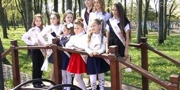 """Юні коломиянки здобули перемоги на конкурсі """"Міні Міс Прикарпаття 2016"""". ВІДЕО"""