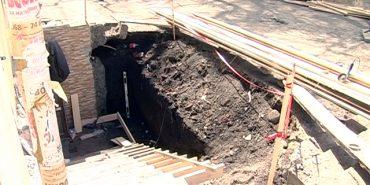 Коломийський підприємець знищив тротуар у середмісті та облаштовує нове приміщення. ВІДЕО