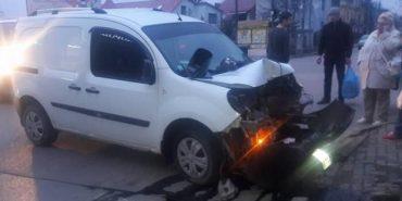 Суд визнав винним колишнього прокурора, який збив світлофор у Коломиї