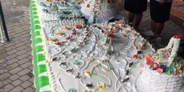 На святкуванні 354-річчя Франківська містян та гостей пригощають 110-кілограмовим тортом. ФОТО