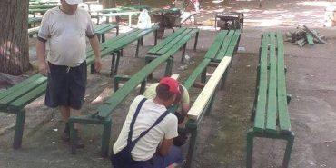У Коломийському парку Трильовського відремонтували лавочки. ФОТО
