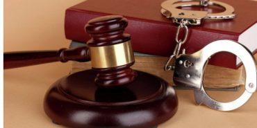 Коломийського школяра та студента засудили до чотирьох років позбавлення волі за грабежі