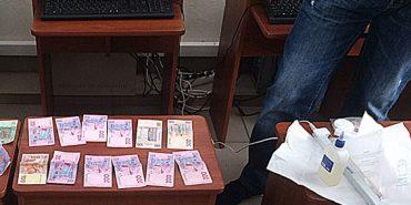За хабарництво в Івано-Франківську затримали працівників автошколи