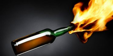 """У Долинському районі """"коктейлем Молотова"""" намагалися підпалити будинок директора лісгоспу"""