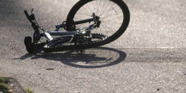 На Прикарпатті велосипедист наїхав на металеву трубу і помер на місці