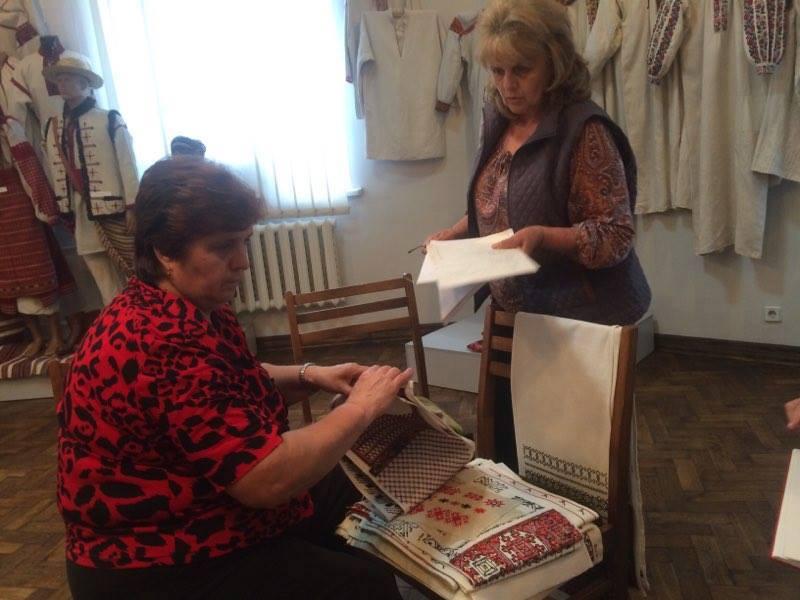 Національний музей народного мистецтва Гуцульщини та Покуття отримав більше 100 зразків вишивки Карпатського регіону
