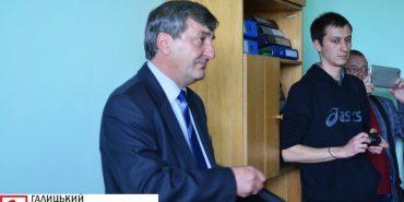 Головний лікар Коломийської інфекційної лікарні став депутатом обласної ради замість свого однопарційця, який раптово помер