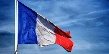 Сенат Франції звернувся до уряду щодо поступового скасування санкцій проти РФ