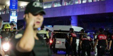 """""""Він просто стріляв у всіх, хто траплявся йому на шляху"""" – очевидці про теракт в аеропорту Стамбула. ВІДЕО"""