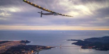 Літак на сонячних батареях перелетів через Атлантичний океан